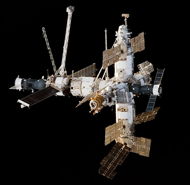 Mir Space Station seen from Endeavour during STS-89
