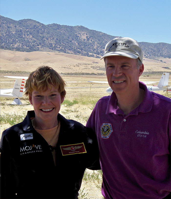 Citizen astronaut candidate Maureen Adams and XCOR chief test pilot and former NASA Shuttle commander Colonel Rick Searfoss