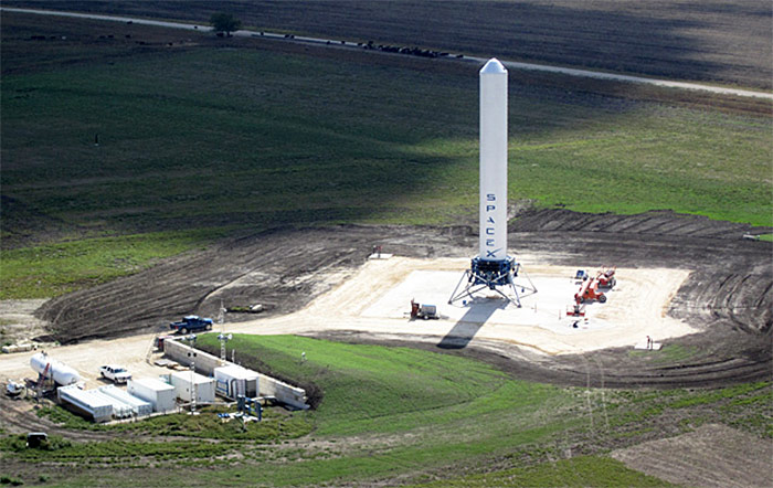 SpaceX Grasshopper VTVL test vehicle for reusable Falcon rocket