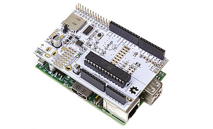 Arduino-compatible Alamode board for Raspberry Pi single-board microcomputer