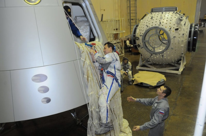 "Russian ""New-Generation Advanced Manned Transportation Spacecraft"" mockup"